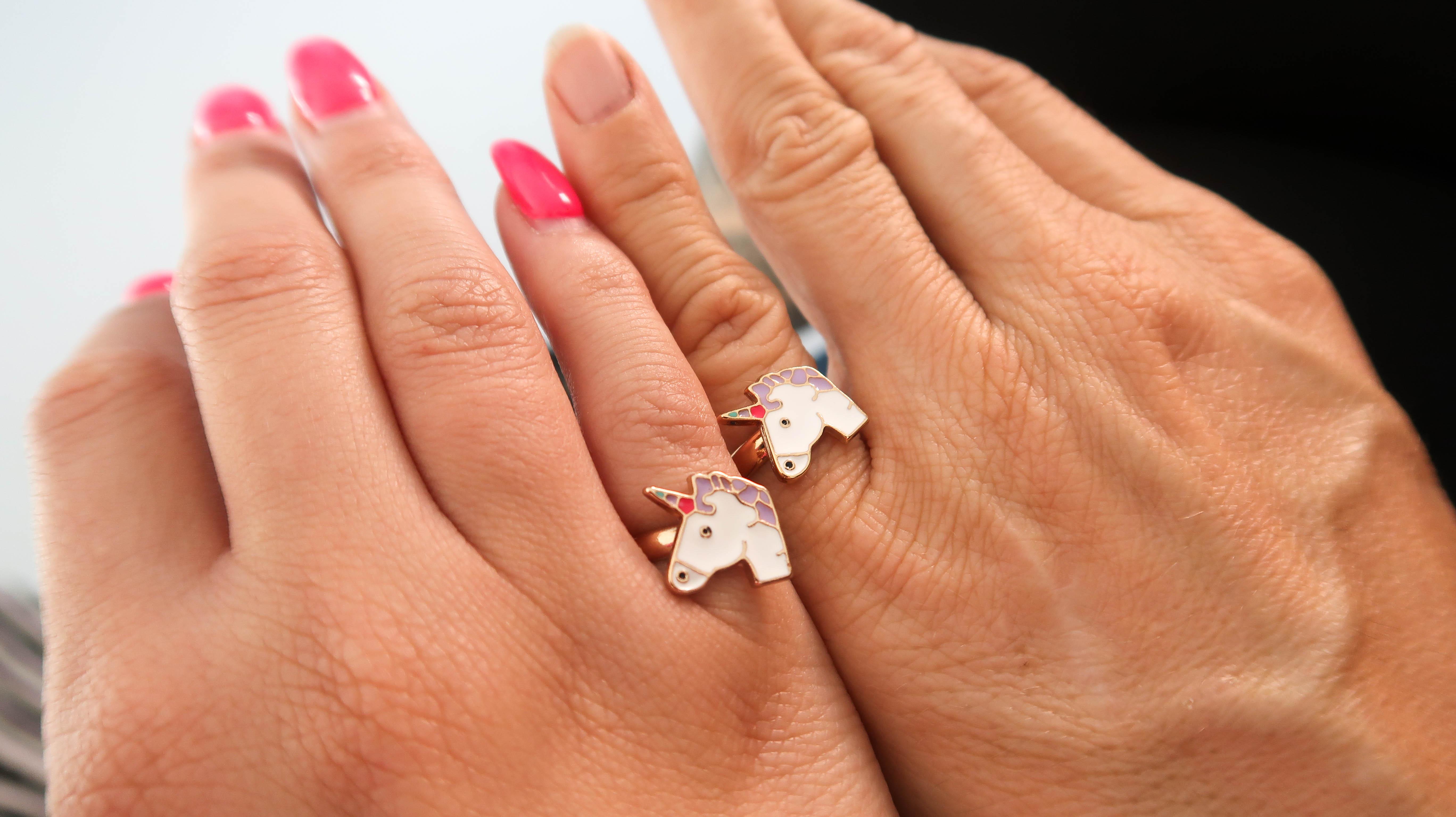 Att vara förlovad med två personer
