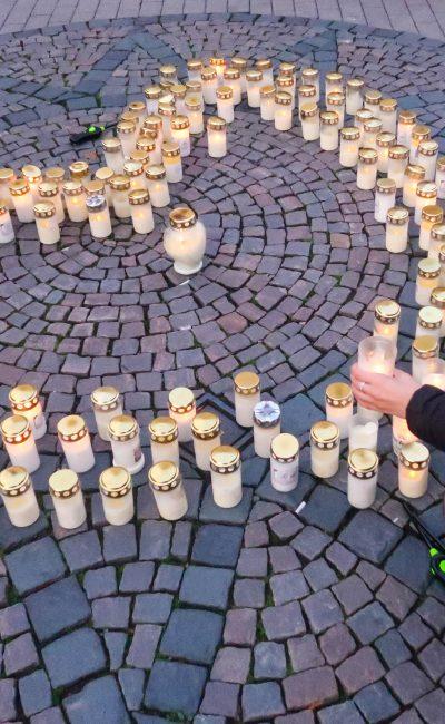 Ljusmanifestation med Suicide Zero