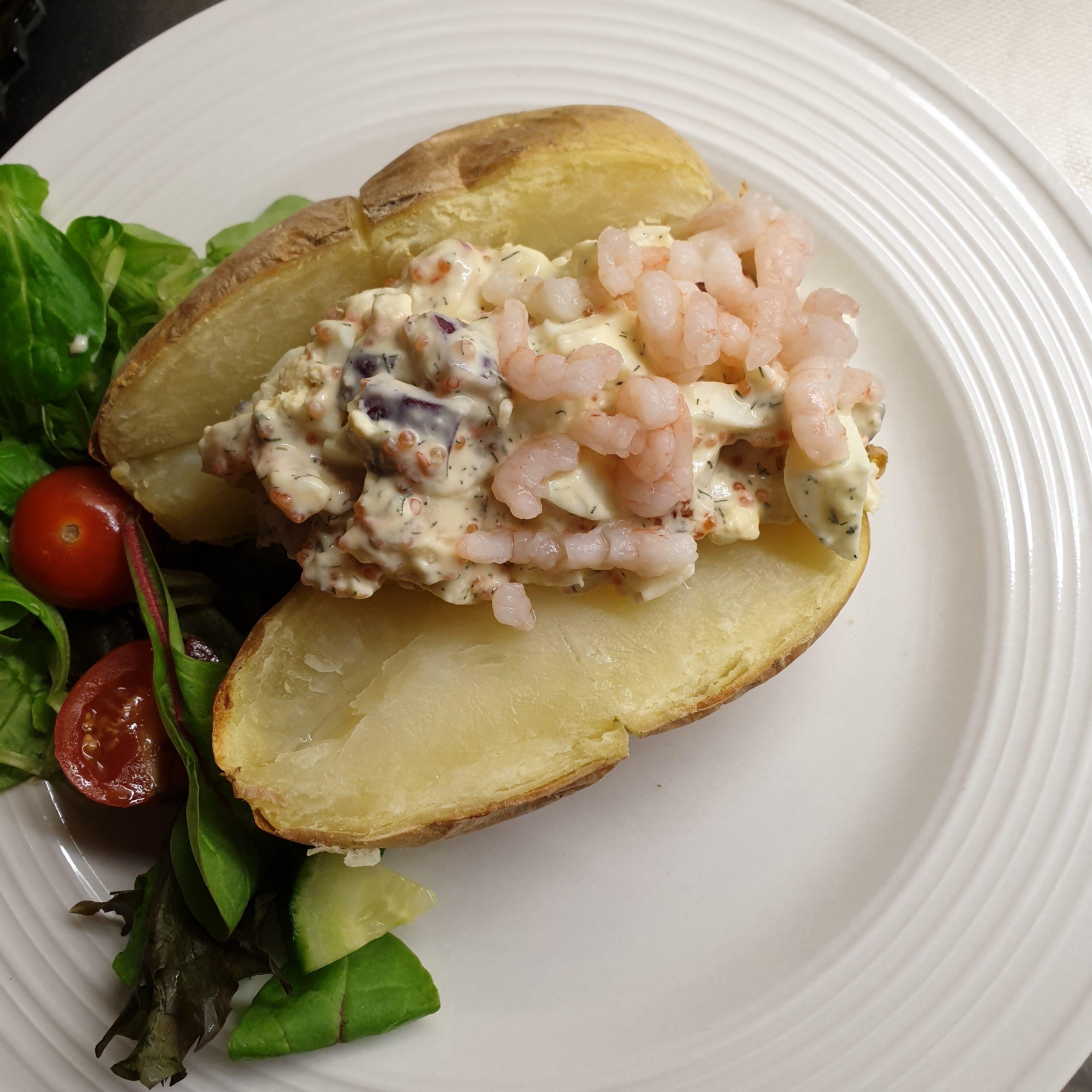 Bakad potatis med räk- och romröra (3SP lila